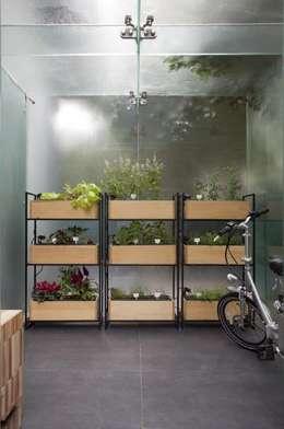 Horta orgânica vertical : Casas escandinavas por Patricia Martinez Arquitetura