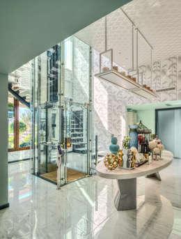 Corridor, hallway by Viterbo Interior design