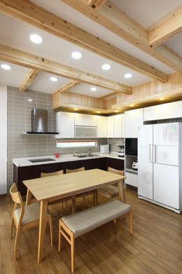 WOODSUN 인천 주택  : woodsun의  다이닝 룸