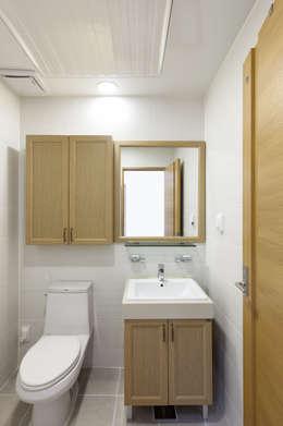 modern Bathroom by woodsun