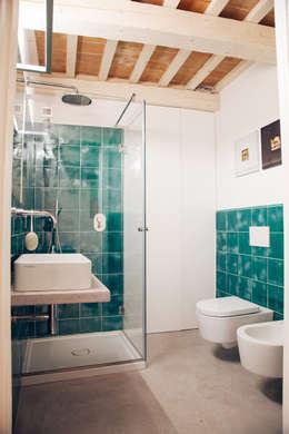 mediterranean Bathroom by Ossigeno Architettura