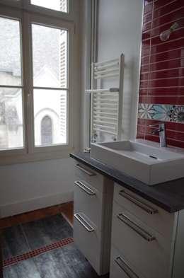 Projekty,  Łazienka zaprojektowane przez Christèle BRIER Architechniques
