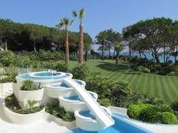 Jardin de style de style Tropical par Jardim Vista
