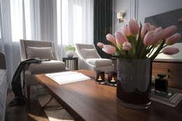 Livings de estilo clásico por Solo Design Studio