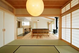 modern Media room by 株式会社kotori