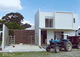 Casas de estilo rural por Home & House Studio