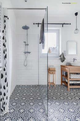 scandinavian Bathroom by PracowniaPolka