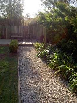 espacios que deslumbran: Jardines de estilo clásico por BAIRES GREEN