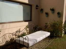 Sensacion de Paz...: Jardines de estilo clásico por BAIRES GREEN