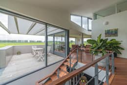 Villa Lutkemeer: moderne Woonkamer door MAS architectuur