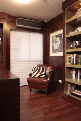 modern Study/office by Fernanda Moreira - DESIGN DE INTERIORES