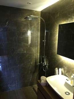 D'arc Tasarım – Boyalık Villa #33: modern tarz Banyo