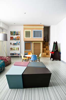 Proyectos studio Roca: Recámaras infantiles de estilo moderno por STUDIOROCA