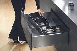 Ambia-line ladeindeling: moderne Keuken door Blum