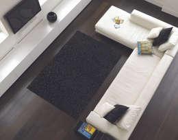 Paredes y pisos de estilo  por www.tappeti.it