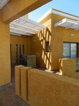 Comedores de estilo moderno por ART quitectura + diseño de Interiores. ARQ SCHIAVI VALERIA