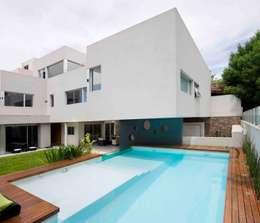 Casa Devoto: Casas de estilo moderno por Remy Arquitectos