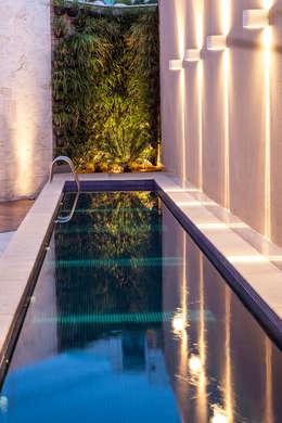 Albercas de estilo moderno por Estela Netto Arquitetura e Design