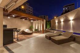 Piscinas de estilo moderno por Estela Netto Arquitetura e Design