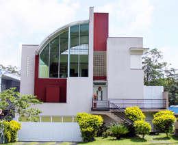 CASAS CONDOMÍNIO RESIDENCIAL: Casas ecléticas por RB ARCHDESIGN