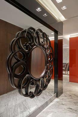 Projekty,  Korytarz, przedpokój zaprojektowane przez Isabela Canaan Arquitetos e Associados