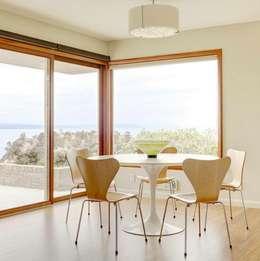 modern Dining room by HOLACASA