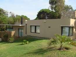 Niza 582 Ostende: Casas de estilo moderno por Arquitecto Oscar Alvarez