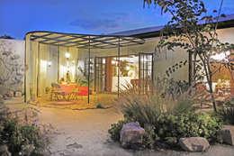 Casas de estilo moderno por Juan Carlos Loyo Arquitectura