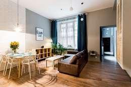 Dom w Holandii: styl , w kategorii Salon zaprojektowany przez Finchstudio