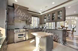 modern Kitchen by Ingenio muebles