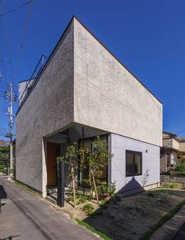 Rumah by Nobuyoshi Hayashi