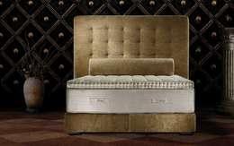 classic Bedroom by Palau del descans