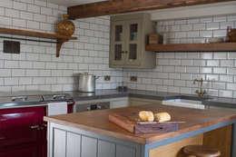 Cocinas de estilo clásico de It Woodwork
