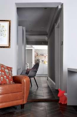 modern Corridor, hallway & stairs by Studio Duggan