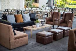 Moor Mobiliario: Salas de estilo moderno por MOOR Event Rentals & Planning