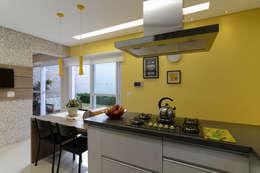 ห้องครัว by LAM Arquitetura | Interiores
