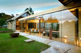 Casas de estilo rural por Mario Caetano e Eliane Pinheiro