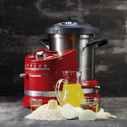 modern Kitchen by KitchenAid
