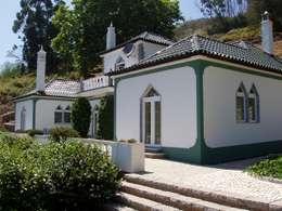 Casas de estilo rural por RenoBuild Algarve