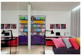 Recámaras infantiles de estilo moderno por ANDRÉ BRANDÃO + MÁRCIA VARIZO arquitetura e interiores