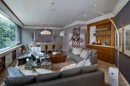 Salas de estar modernas por Olivia Aldrete Haas