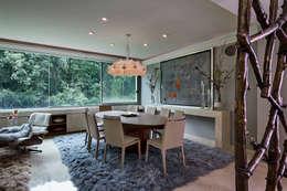 Salle à manger de style de style Moderne par Olivia Aldrete Haas