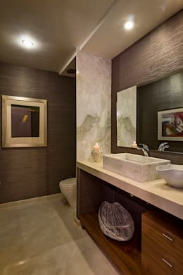 Residencia Toronjos: Baños de estilo  por Olivia Aldrete Haas