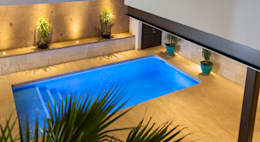 modern Pool by Grupo Arsciniest