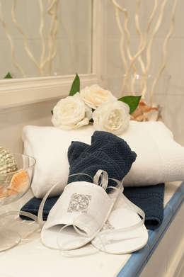 PARIOLI SUITE 67 -   PRIMA&DOPO  una NUOVA LOCATION : Bagno in stile in stile classico di Loredana Vingelli Home Decor