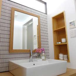 Projekty,  Łazienka zaprojektowane przez 株式会社K's建築事務所
