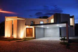 Casas de estilo moderno por Narda Davila arquitectura