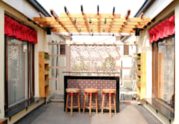 Terrazas de estilo  por H5 Interior Design