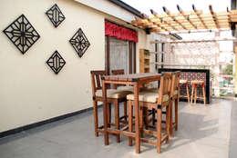 Balcony Design, Greater Noida:  Terrace by H5 Interior Design