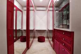 غرفة الملابس تنفيذ INNERSPACE